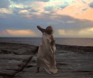世界最高齢!? 100歳のダンサーによるしなやかなダンス