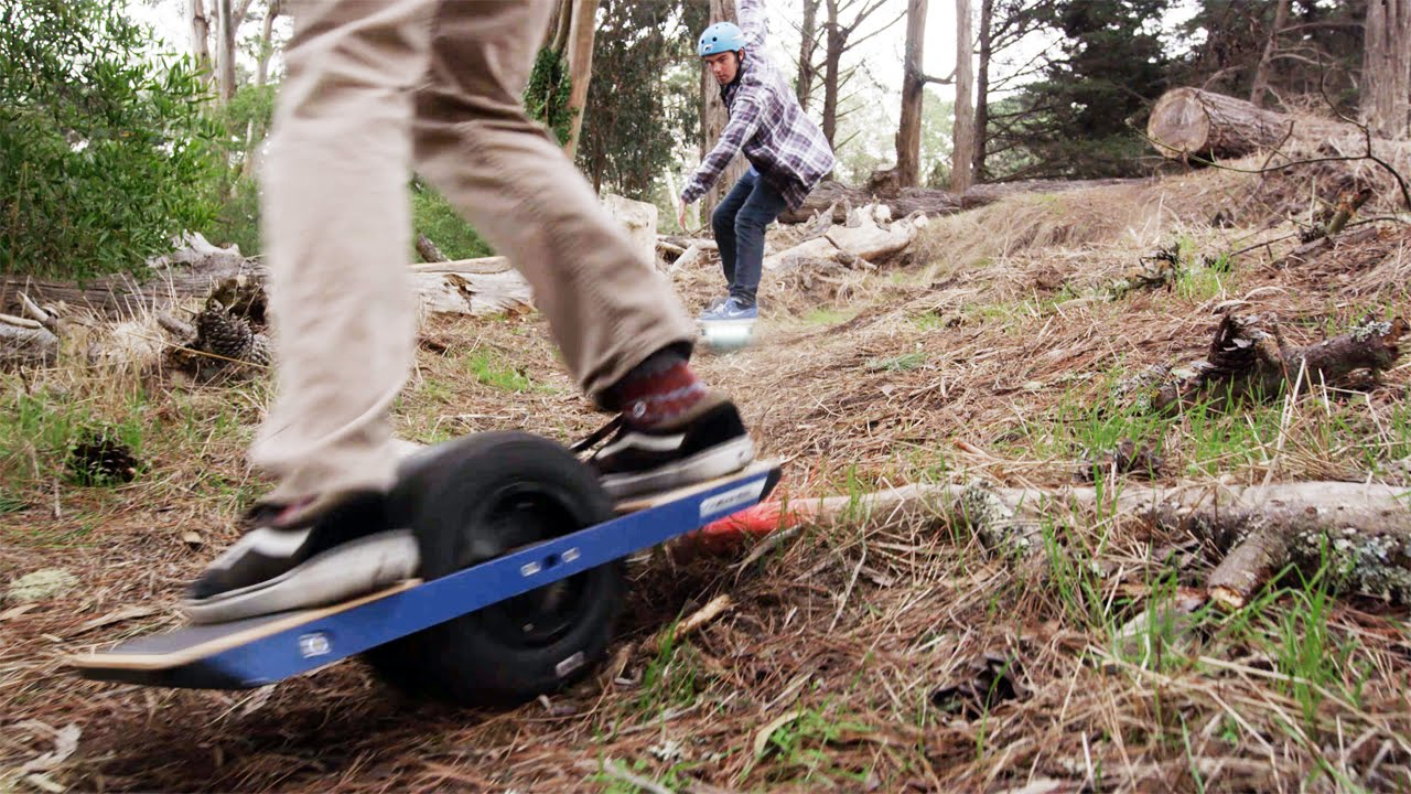 これは楽しそう! 電動スケートボードの動画
