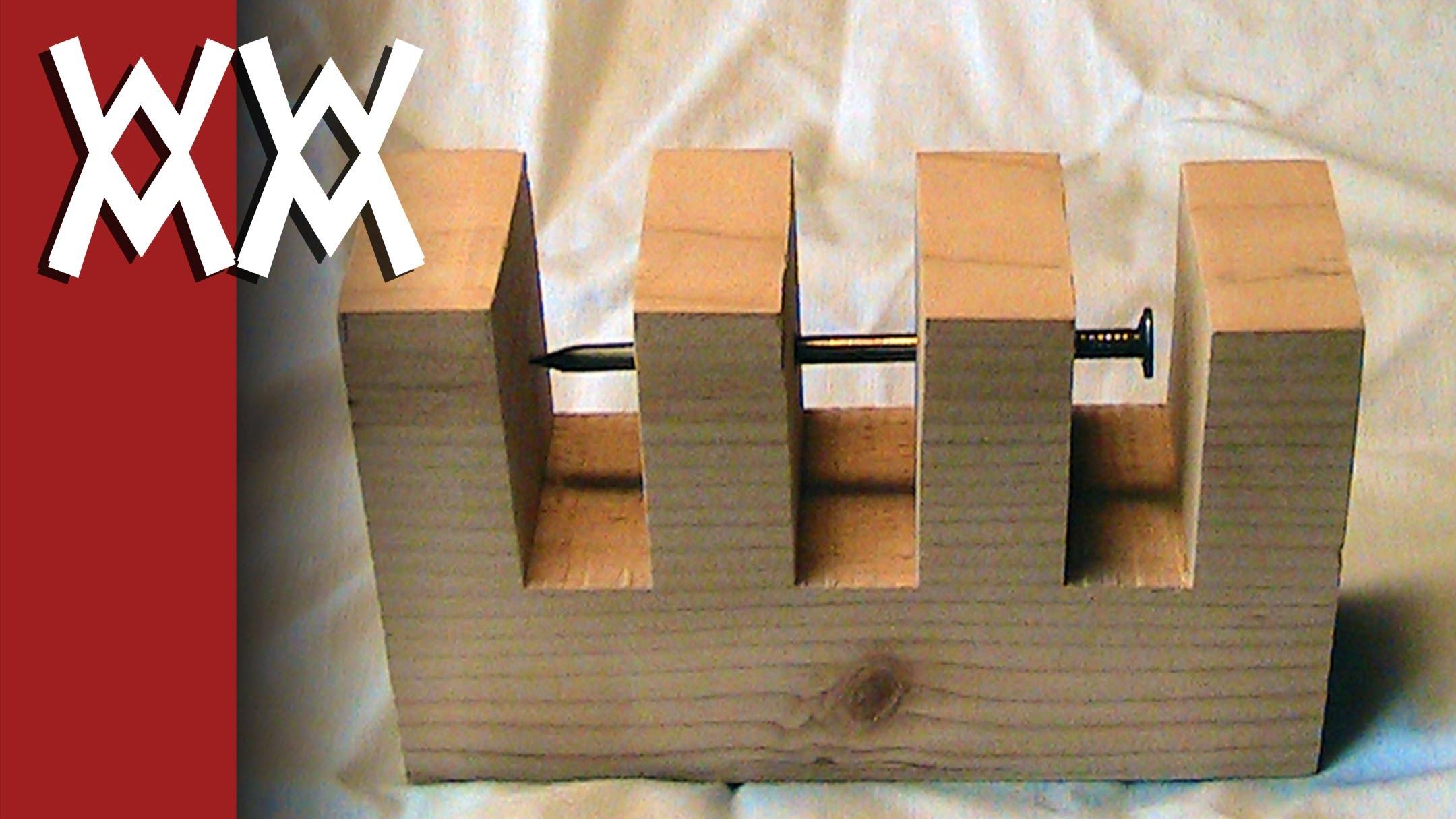 木片にありえない形で釘を刺す方法