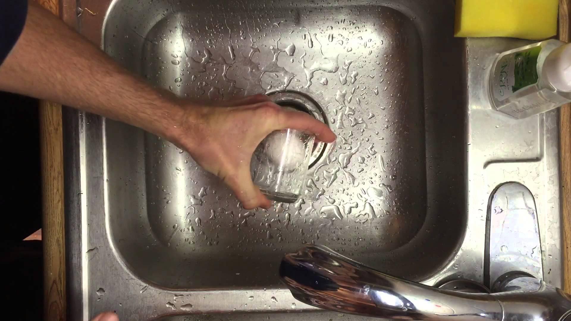 コップがあればすぐ出来る! ゆで卵の簡単な剥き方