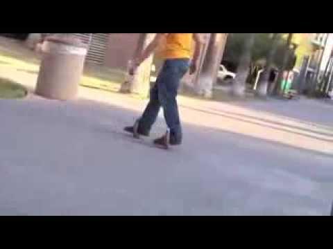 乗りこなすのが難しそう……円形のスケーター