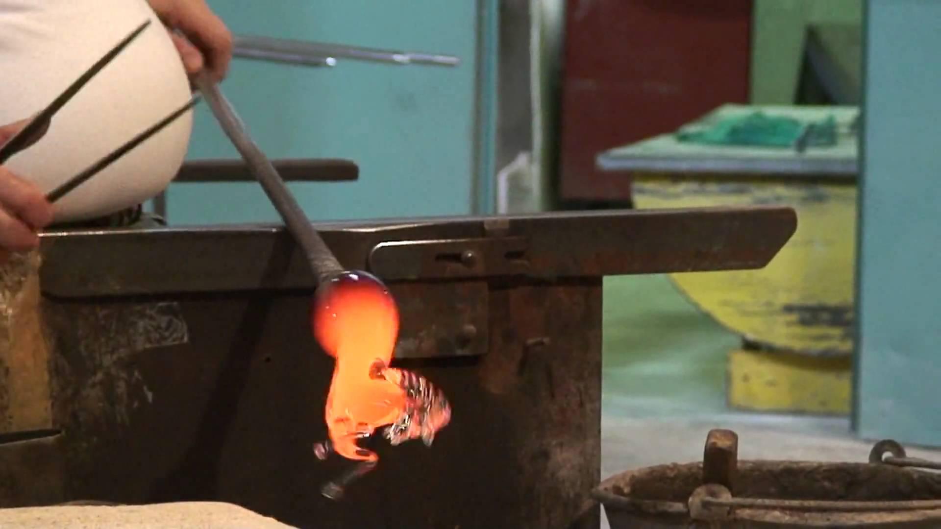 あっという間に馬のガラス細工を作る職人技に感嘆!