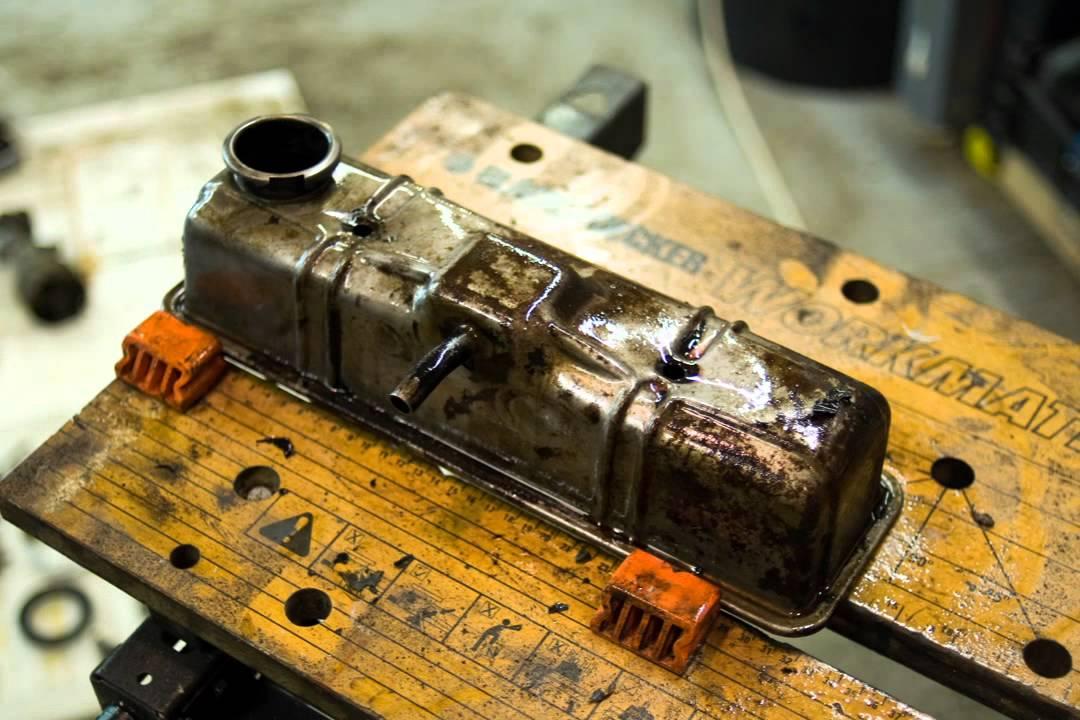 エンジンのオーバーホール作業をストップモーションムービーで
