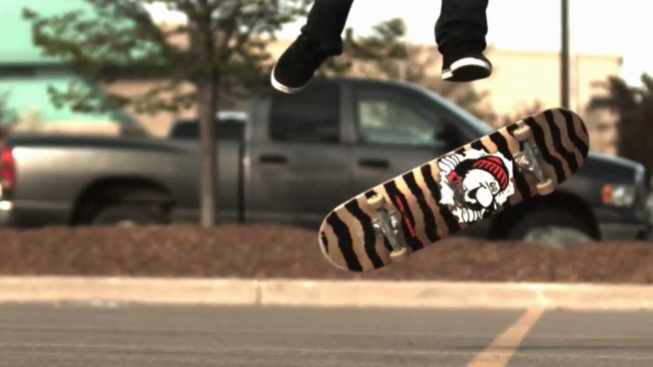 スローで見ると凄さが分かる、スケートボードの技