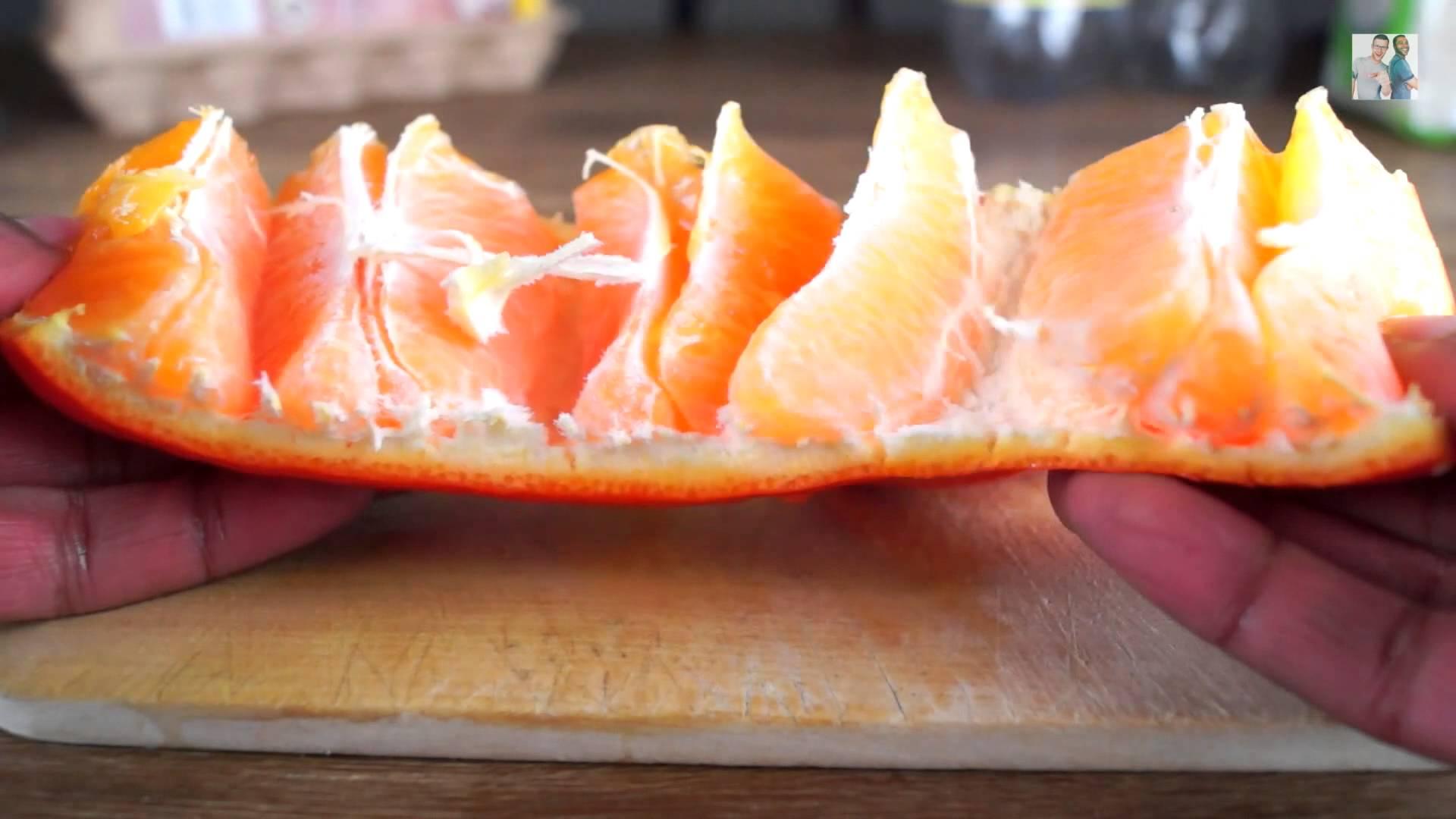 これは便利! オレンジの皮を綺麗にむく方法