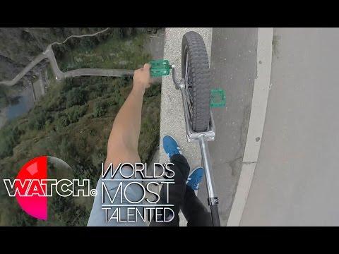 何してるんだ……ダムのフチでジャグリングや一輪車パフォーマンス