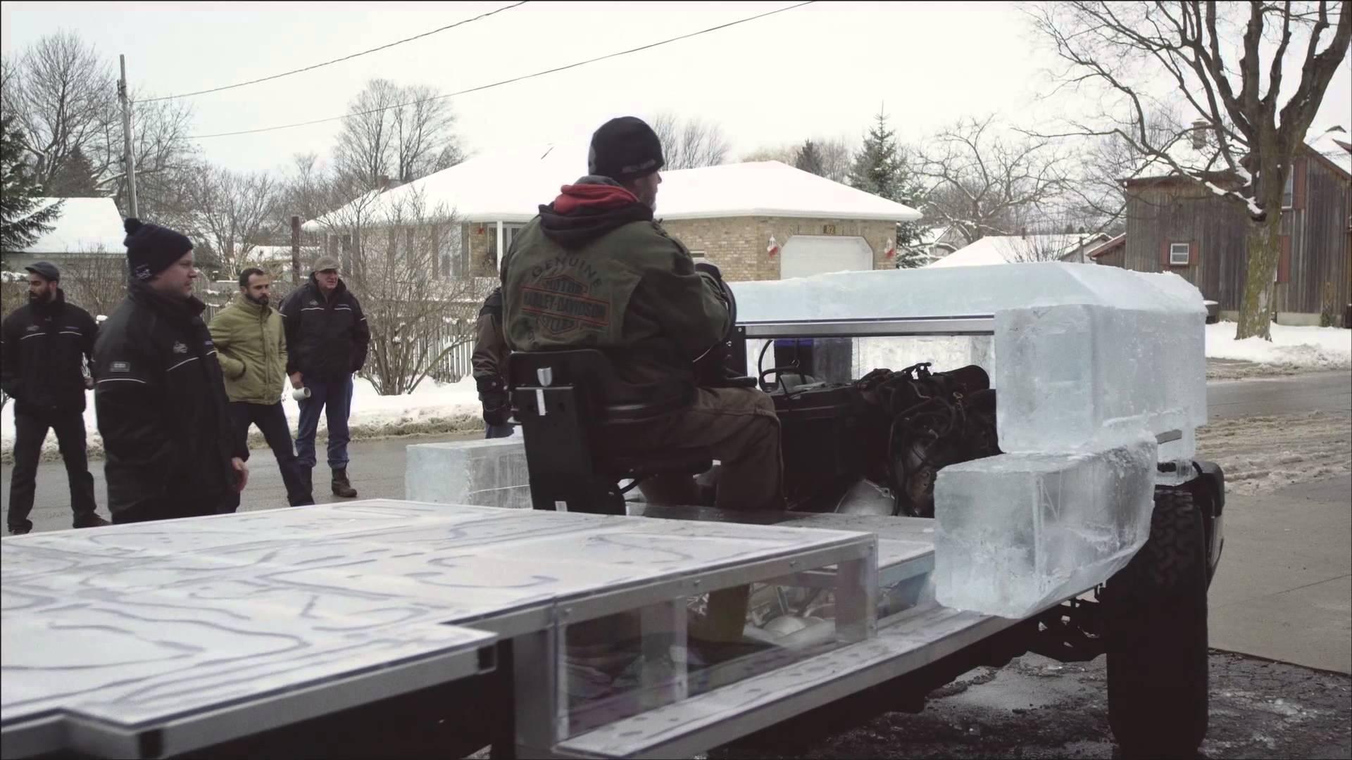 ボディは氷製! アイストラックの製作ドキュメンタリー