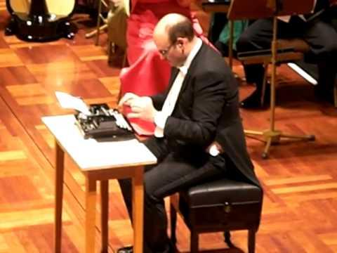 タイプライターとオーケストラの組み合わせが面白い