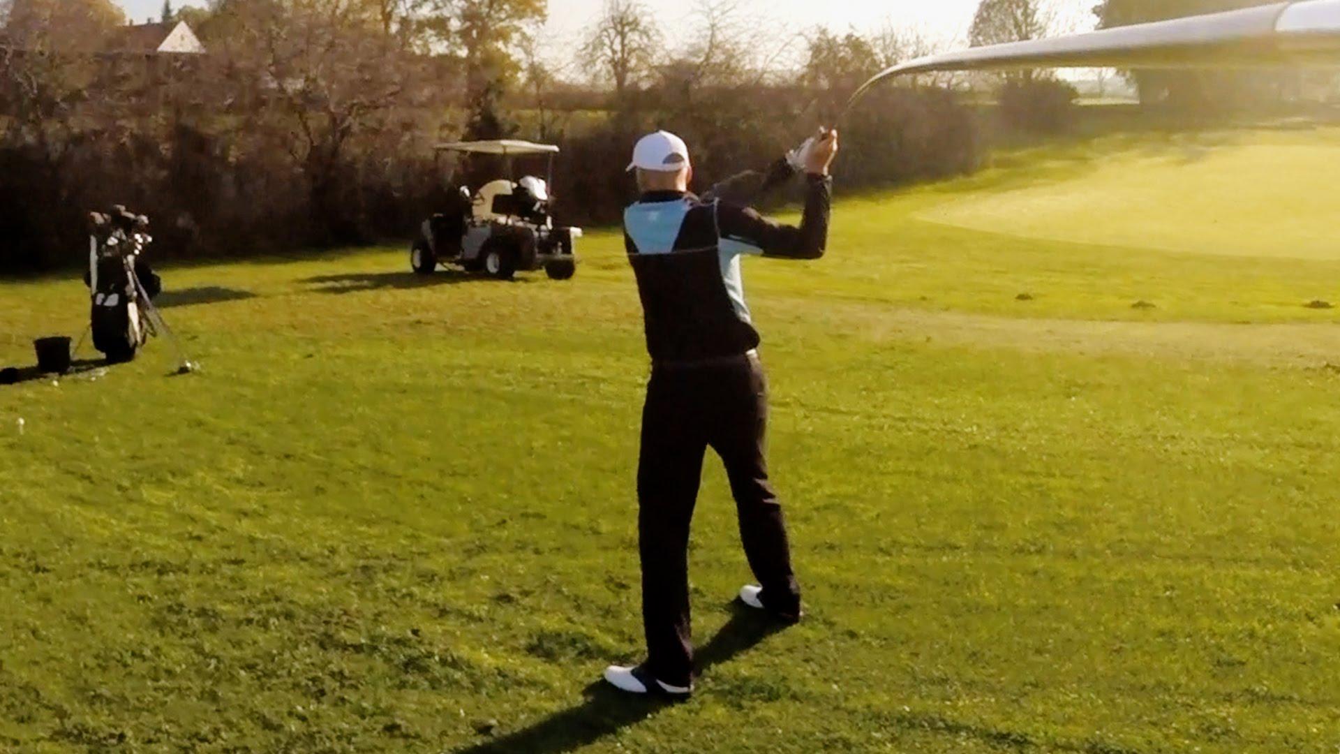 へんてこなグラブで打つゴルフのトリックショット