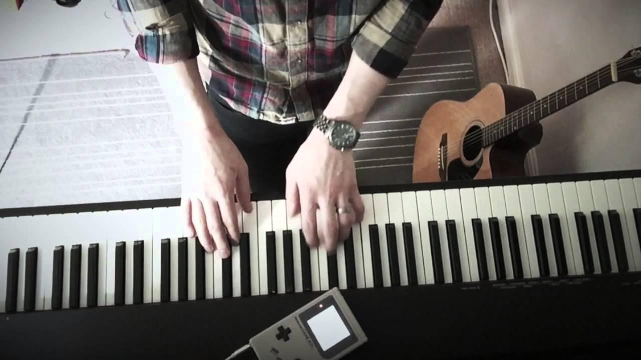 ゲームボーイとピアノを組み合わせた異質な演奏