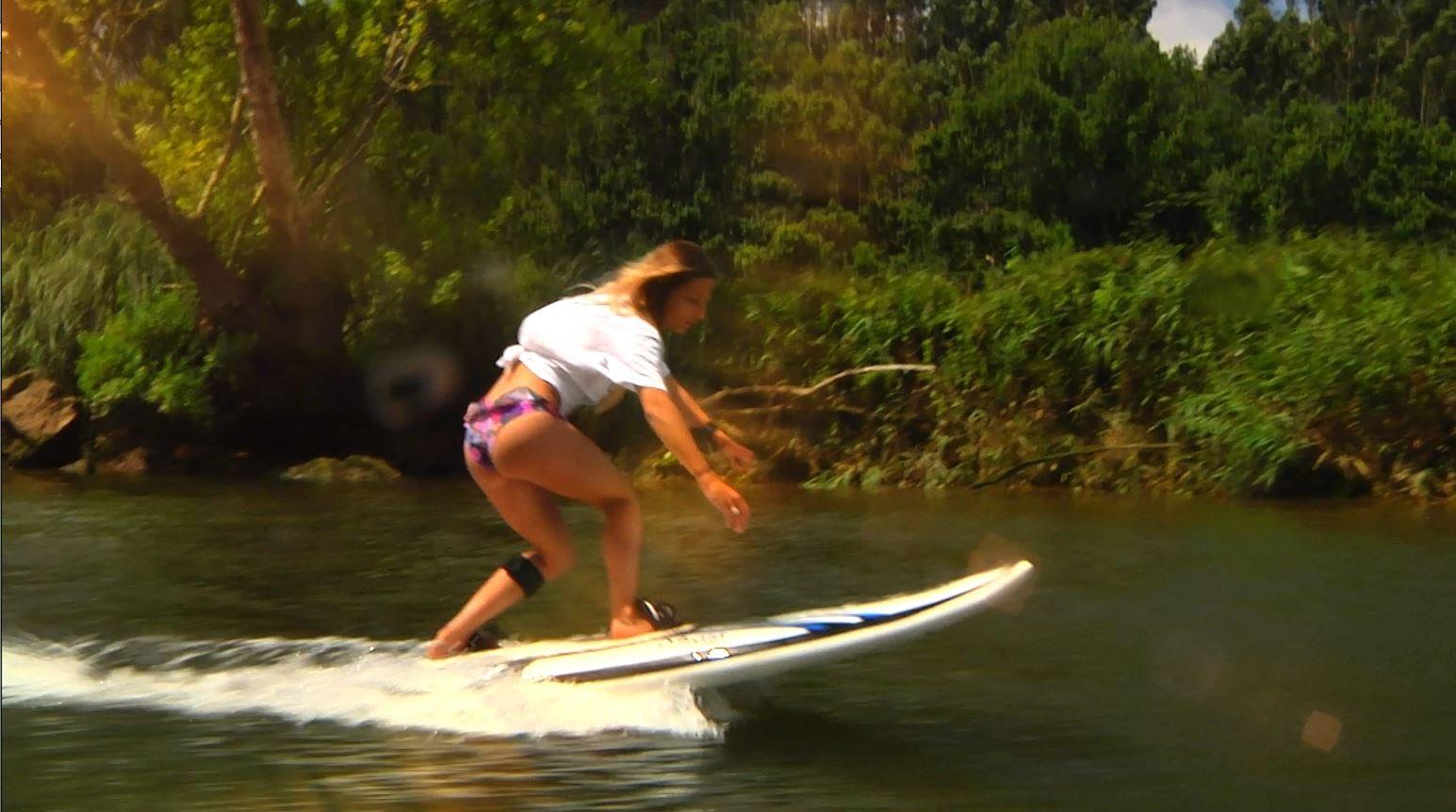 どこでも楽しめる! 波がなくてもサーフィンできるボード