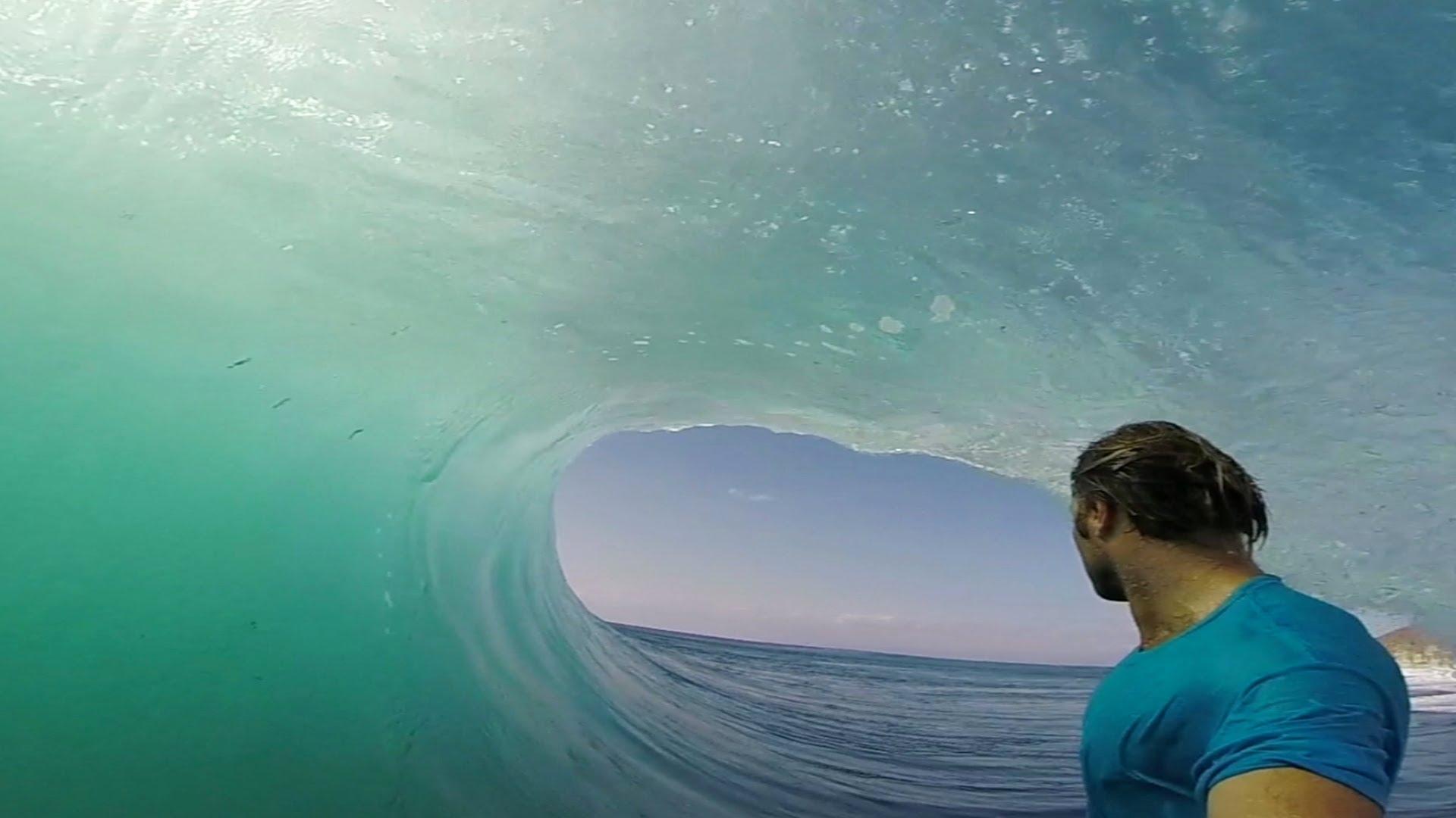 サーファーから見た波の姿が絶景すぎる動画