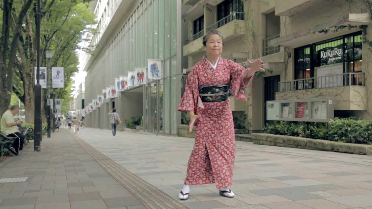 おばあちゃんが魅せるキレッキレのダンス動画