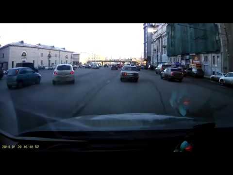 ロシアで撮影された非常識すぎな駐車シーン