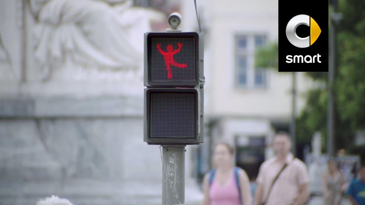 こんな赤信号なら楽しく待てそうな気がします