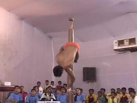 インド流ポールダンスがアグレッシブすぎる動画
