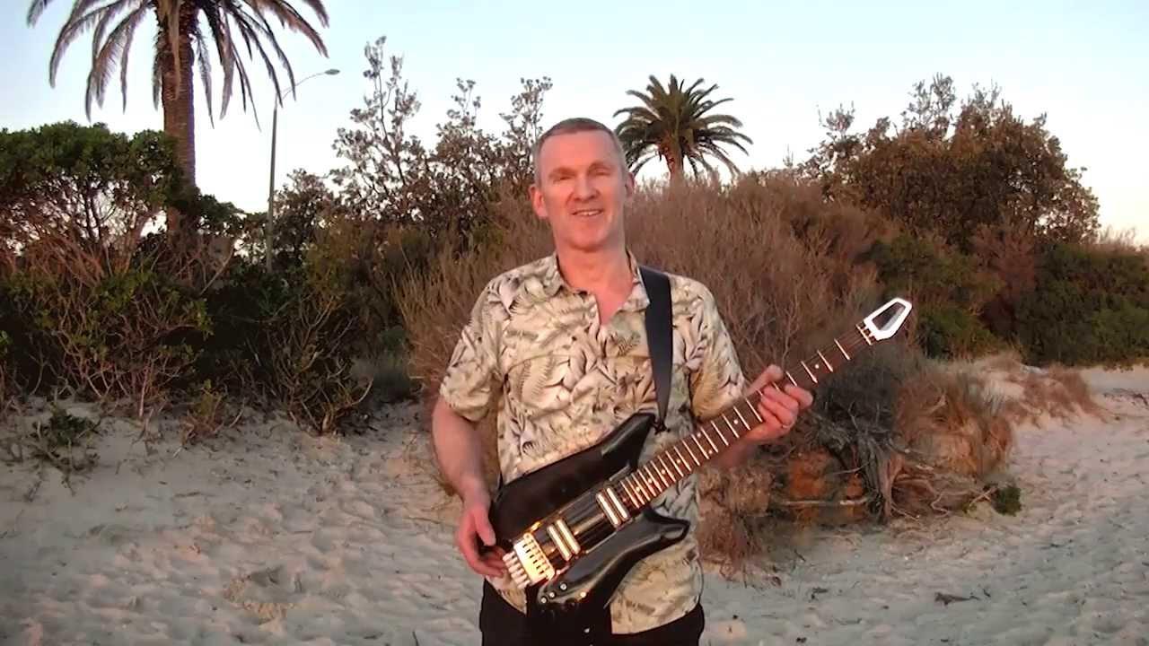 エフェクターからアンプまで! iPhoneドッキング型エレキギター