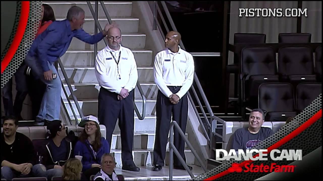 NBAの試合会場の警備員が披露したキレのあるダンス