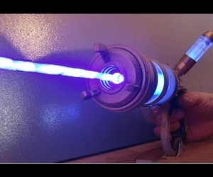SF映画に出てきそうなリアルレーザー銃