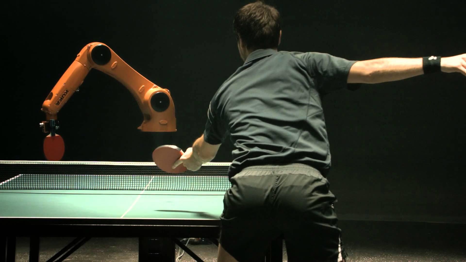 人間VSロボットの卓球対決がエキサイティング