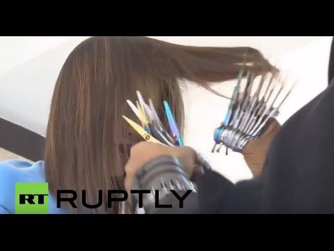 シザーハンズの異名を持つ美容師のお手並み動画