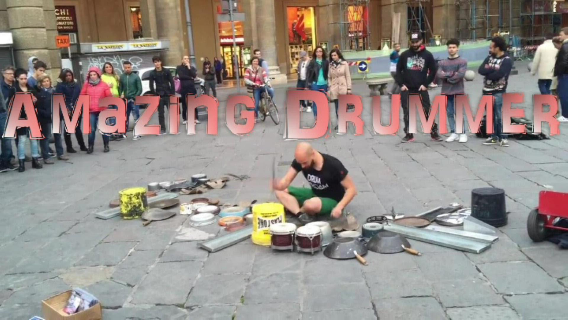 鍋やバケツ、フライパン等で演奏する凄腕ドラマー
