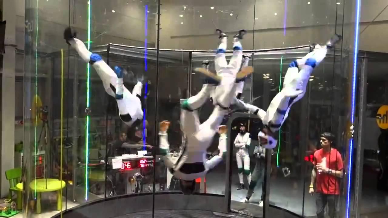 何コレどうなってんの……空中ダンスパフォーマンスが凄い