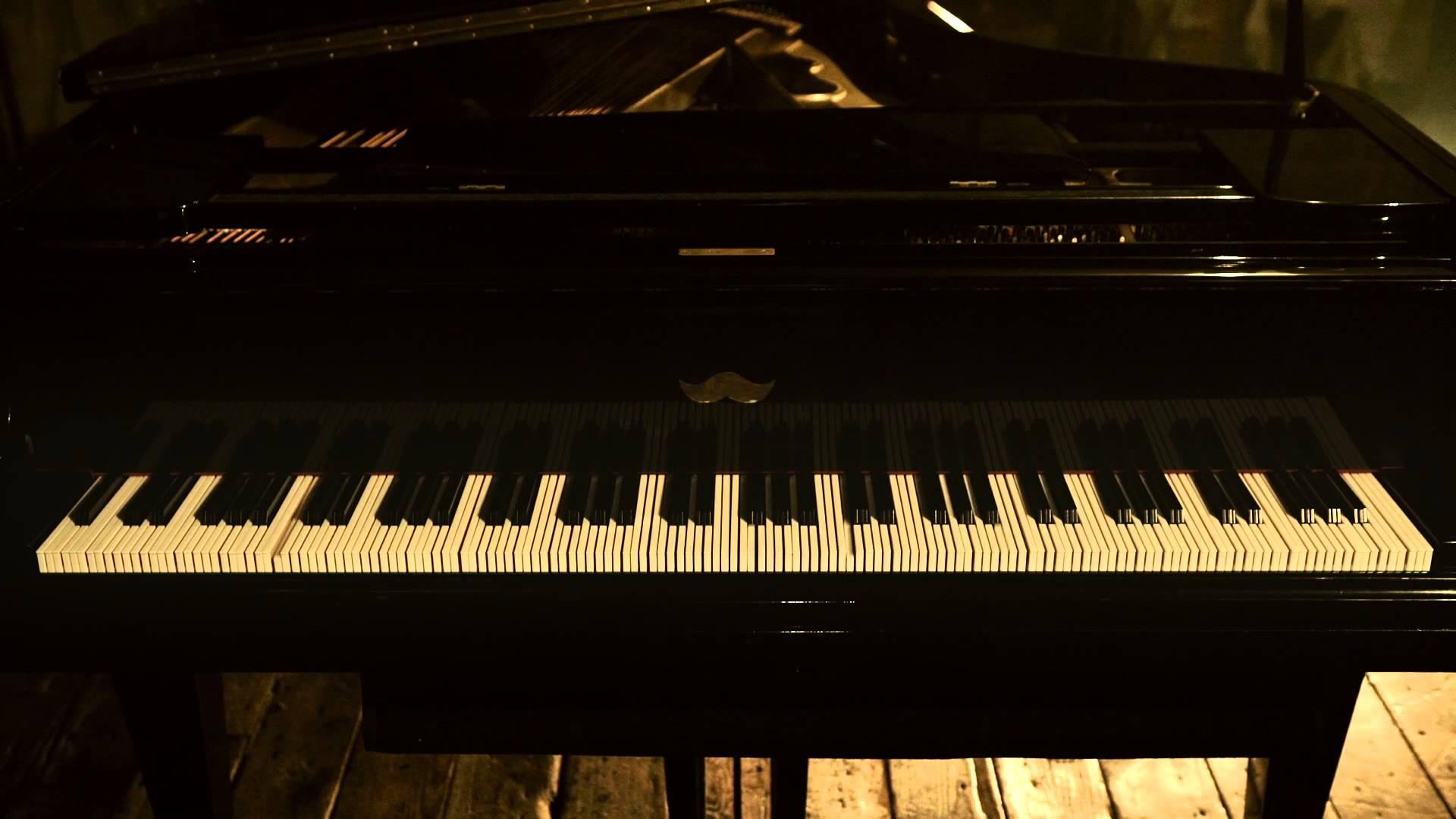 通常の3倍もの鍵盤数「3倍高密ピアノ」で演奏する「きらきら星」