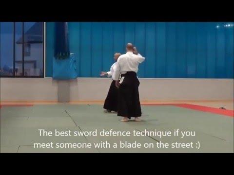 なるほど納得。合気道の先生が教える刃物を持った相手に対する防衛術