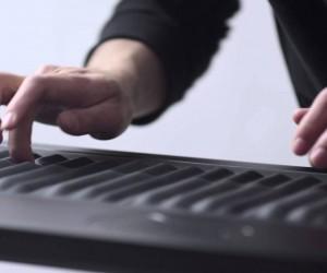 次世代の楽器、やわらか鍵盤を搭載したキーボード