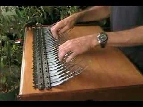 神秘的で癒される音色! 民族楽器アレイムビラの演奏が美しい