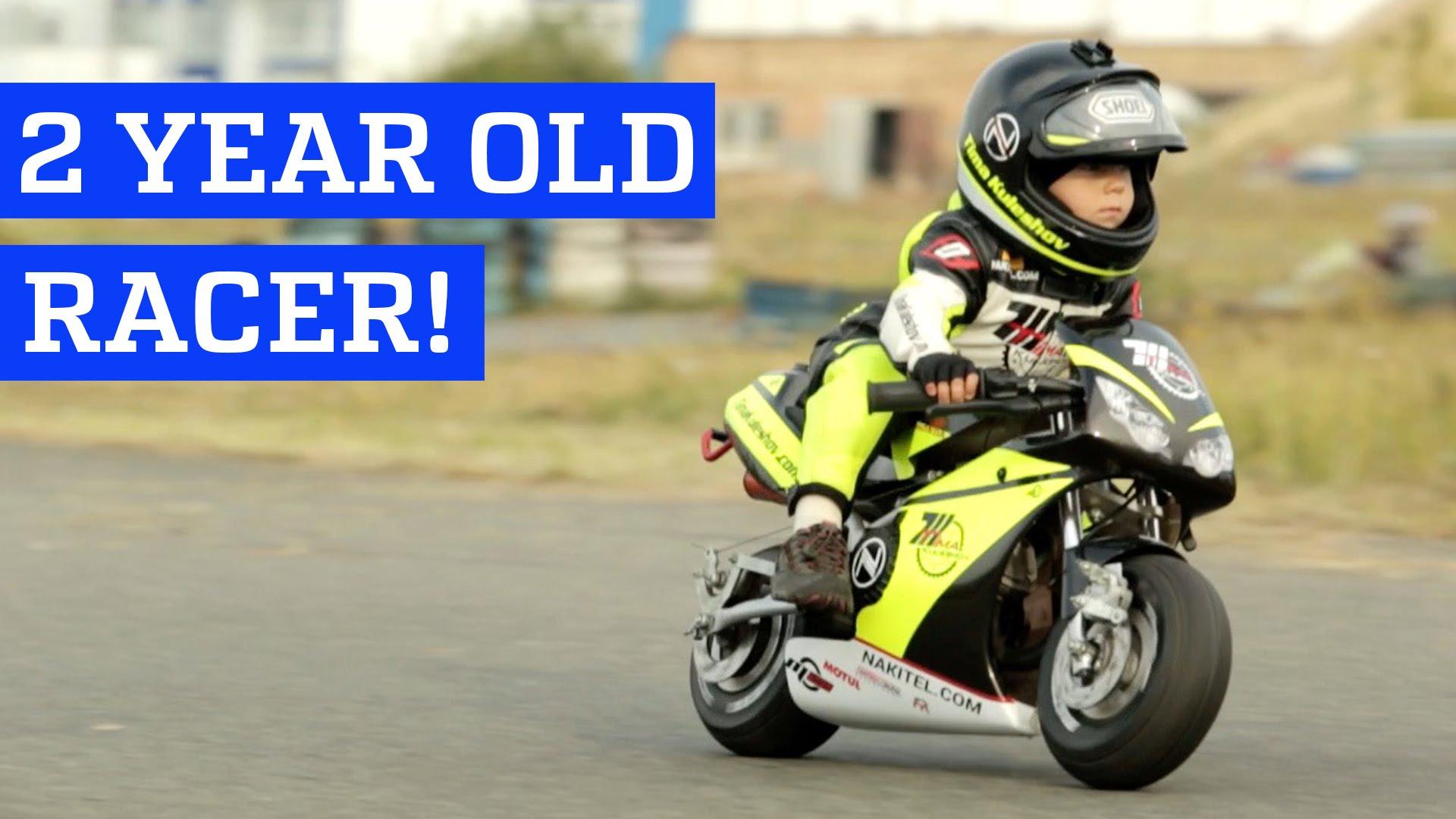 2歳のオートバイレーサーVS4歳のゴーカートドライバー
