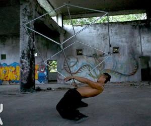 キューブと共に踊る、パフォーマンスがCOOL