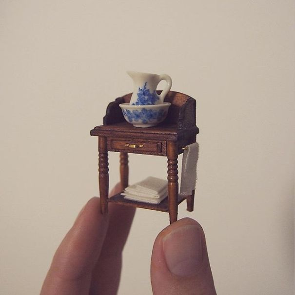 i-quit-my-job-as-a-lawyer-to-make-tiny-furniture-3__605