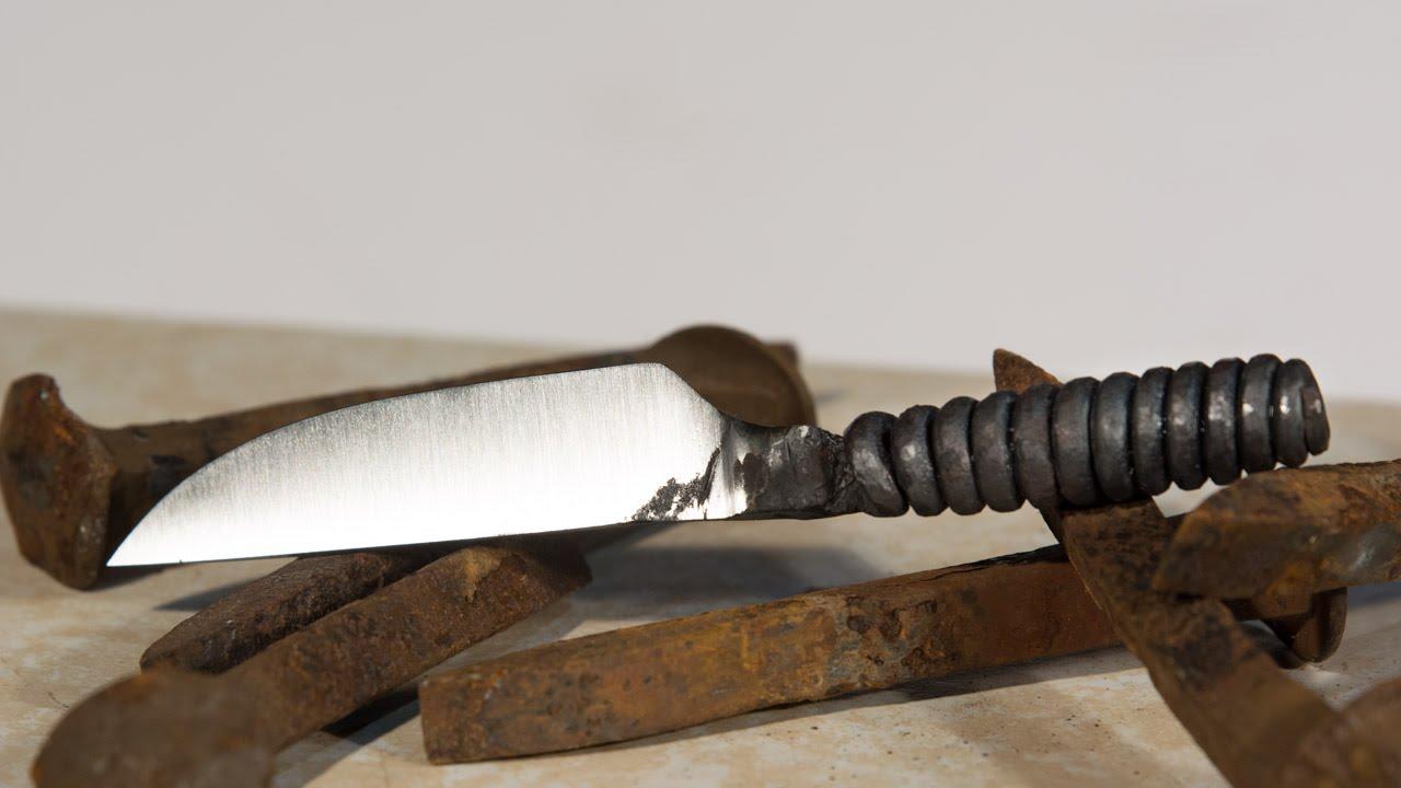 ぶっとい釘をナイフにリメイク! ずっと見ていたくなる製作過程