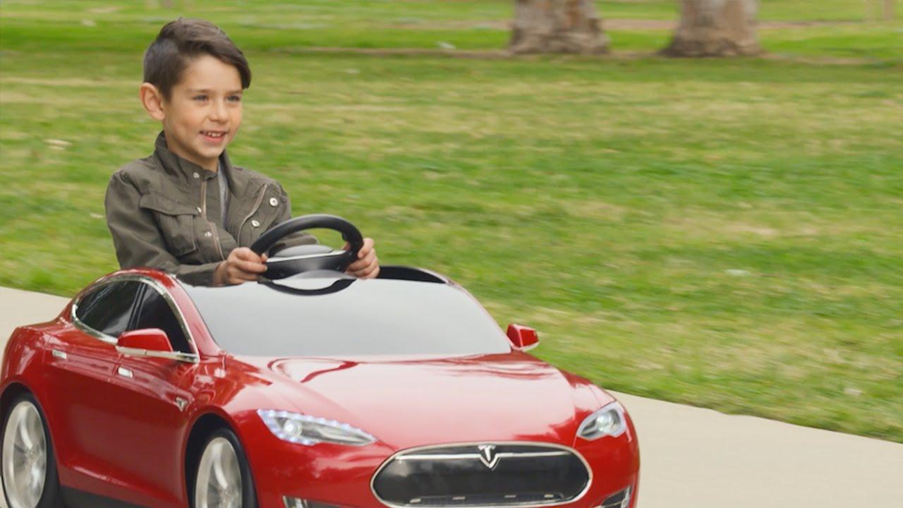 高級感漂うカーデザイン! 子供用のEV仕様のテスラモデルS